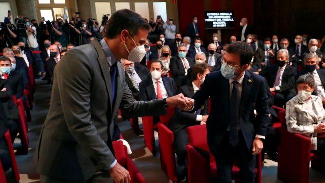 Sánchez y Aragonès buscan dejar atrás el conflicto con un acto en Barcelona