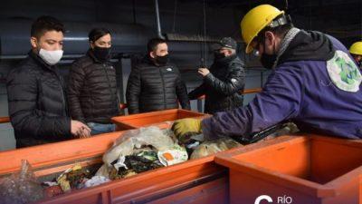 Juntos es más fácil: ardua labor en la Planta de Reciclaje de Río Gallegos