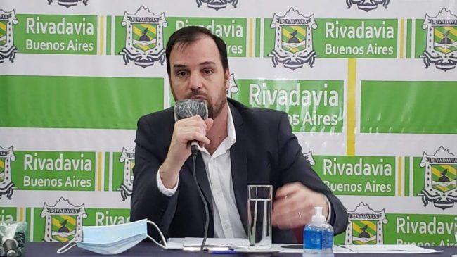 Rivadavia: el Intendente se incluyó en el aumento salarial