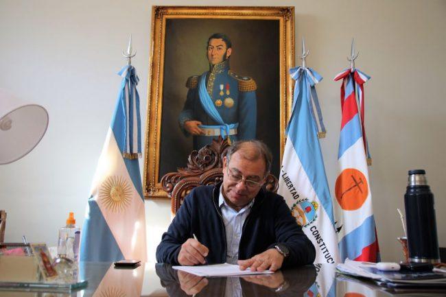 El Intendente de Corrientes firmó la resolución de 400 pases a planta más y el 17 se abre la inscripción a concurso