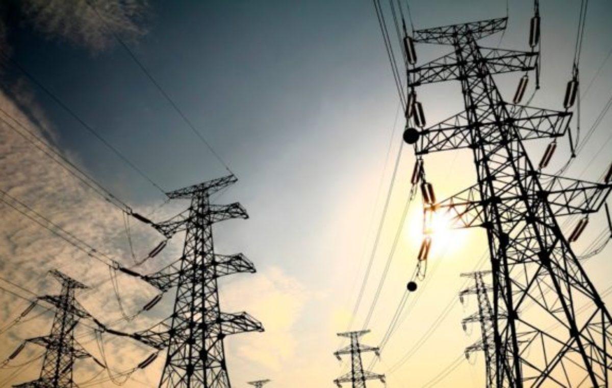 Economía declaró «lesivo» al acuerdo del macrismo con las distribuidoras eléctricas
