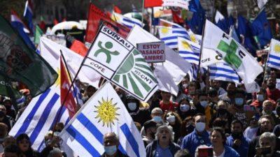 Uruguay: arrancó un paro general por empleo y mejores salarios