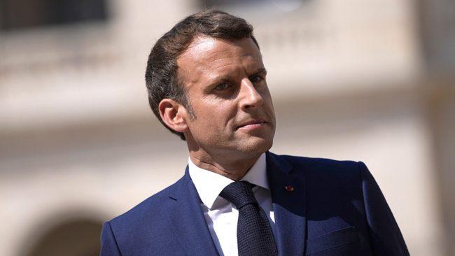 Una Francia fragmentada oscila entre el oficialismo y la ultraderecha