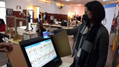 Buscan agilizar las urnas con la aplicación «Voto Neuquén»